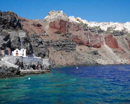 Amoudi-Bay-swim-area-photo-from-the-godsavethescene-blog